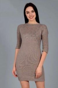 Kurzes Kleid mit Ajourmuster diagonal