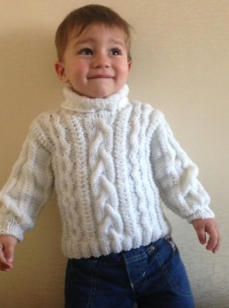 Baby Pullover mit Zopfmuster