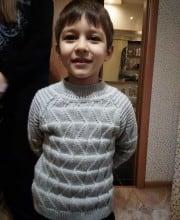 Strickset für den Jungen: Mütze und Pullover