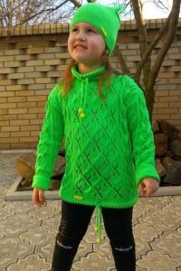 Strickset für den Mädchen: Pullover und Mütze