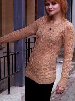 Pullover mit Zopf- Reliefmuster